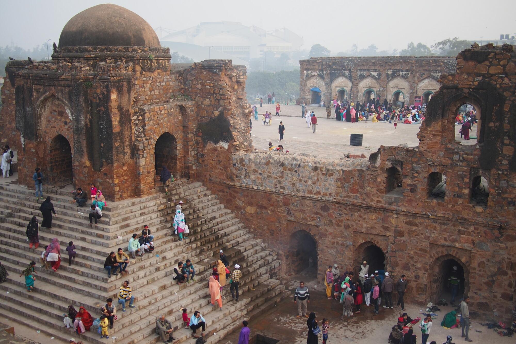 La mosquée en ruine de Feroz Shah Kotla